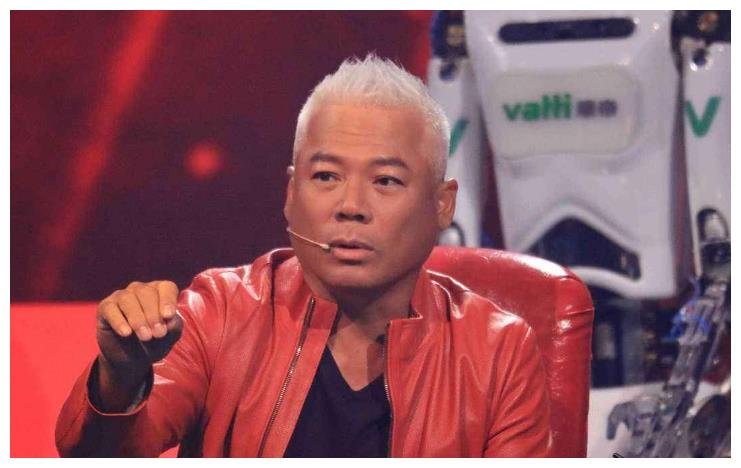 巫启贤误将歌手认成赵丽颖?网友:瘦十斤还差不多