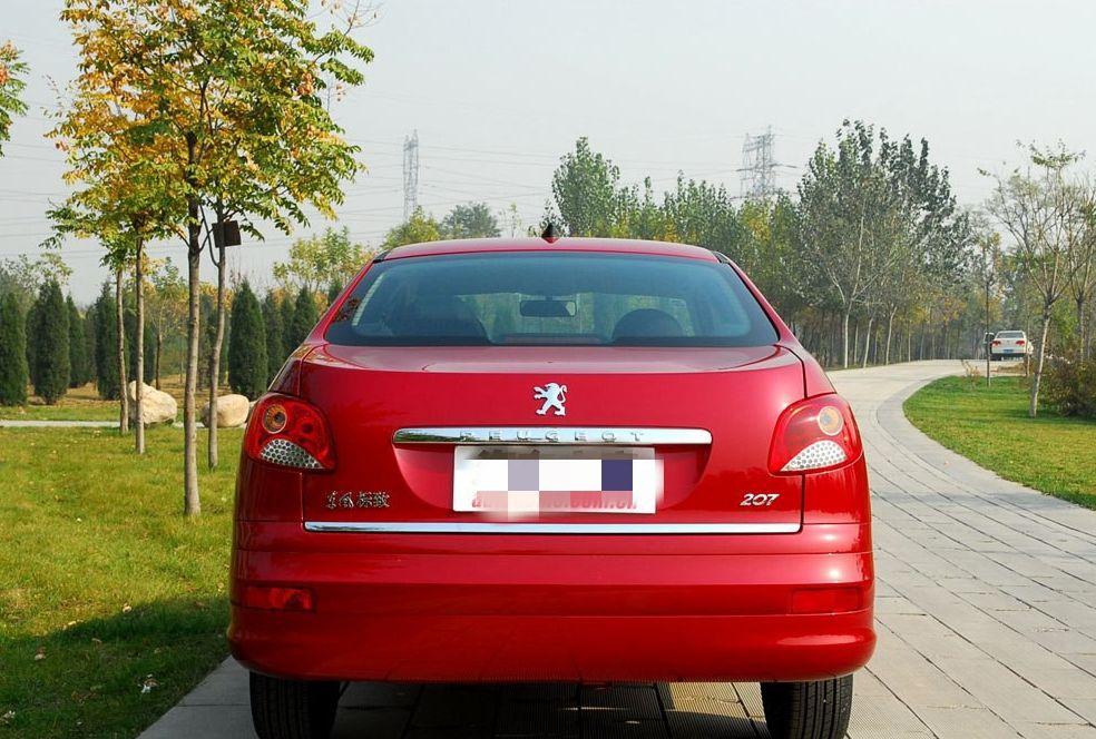 标致207拥有先进和舒适度,是个被大众接受的车辆品牌