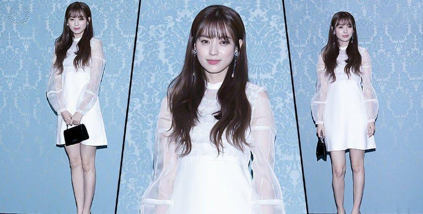 明星韩孝周白色短裙高跟风尚现场!