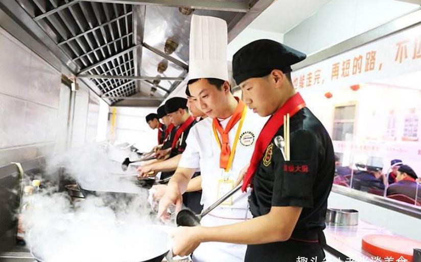 米其林大厨a不用中国不用做菜牛腩厨师,中国厨师一句话莲藕煲菜谱图片