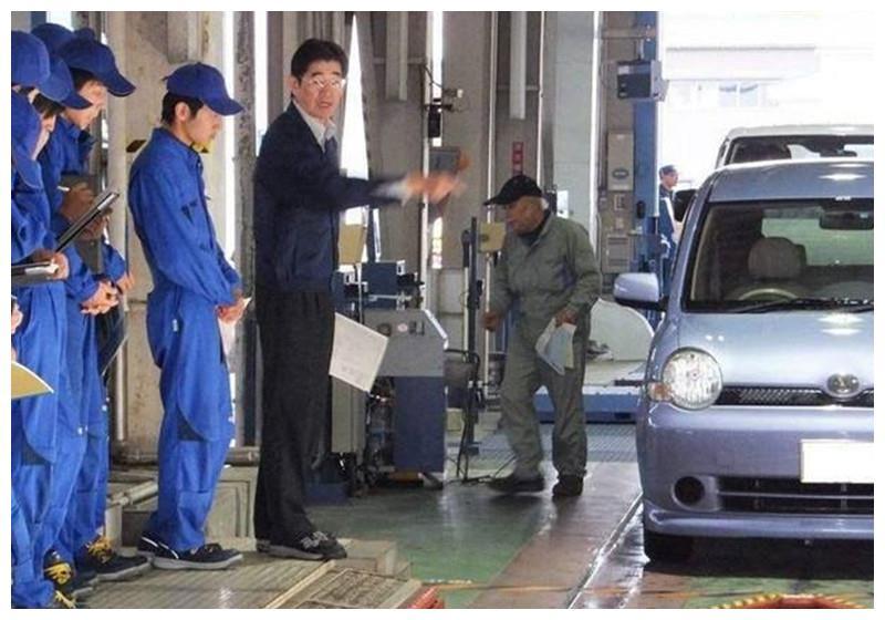 宝马车去年检,一脚油门发动机直接坏死!检验场:是你车不行!