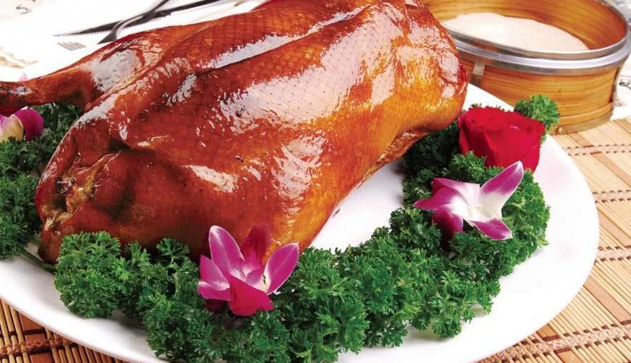 为何北京烤鸭在南方活不下去?这个南方巨头,让它毫无出头之地