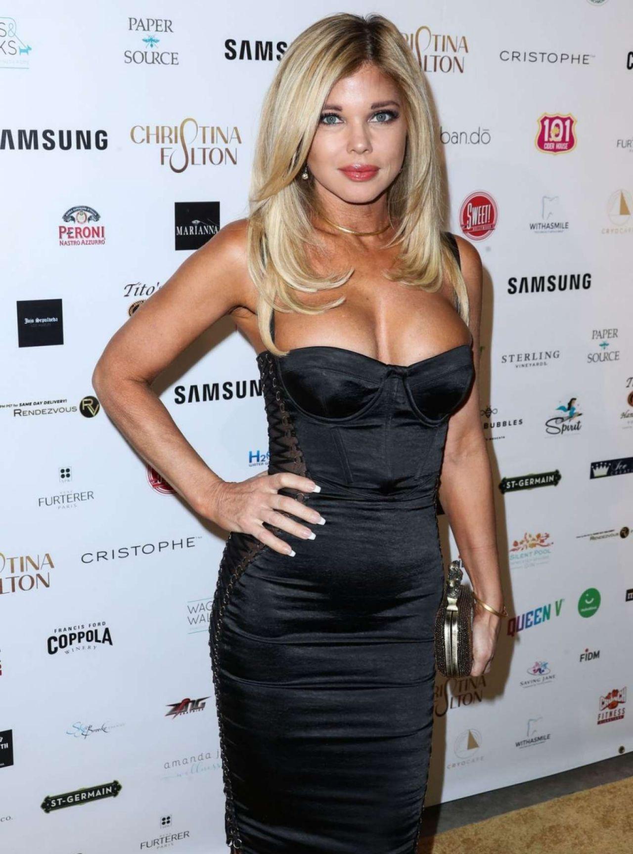 女星donna errico黑色长裙比弗利山庄参加时尚活动