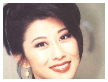 叶倩文和梅艳芳当年在香港到底谁更火?