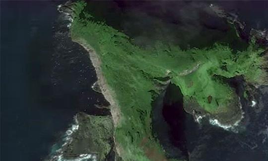 """视觉错觉?谷歌地球在冰岛发现一个30米宽的""""圆盘"""",引发争议"""