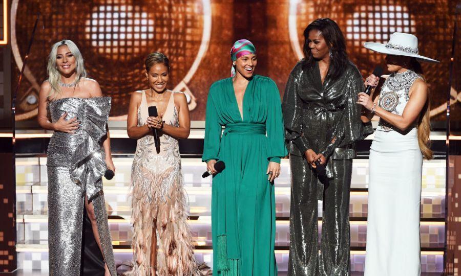 格莱美奖:Lady Gaga获得三大奖,成第一位流行音乐大满贯的歌手
