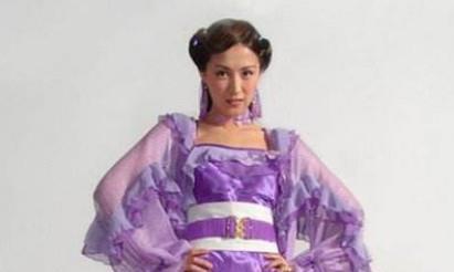古装剧中现代化的裙子,当时觉得美,现在觉得辣眼睛!全看