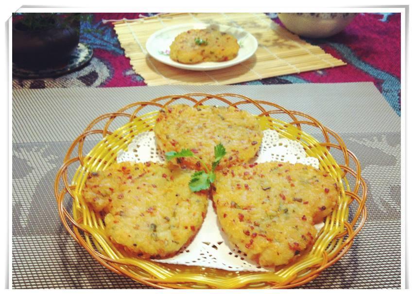 土豆鸡蛋牛奶糯米粉 一勺盐一勺糖 软糯可口好味道的韩式土豆饼