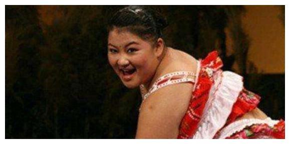 趁着韩红、贾玲还胖着,她却偷偷减掉110斤,瘦成了一个女神!