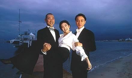 """曾被美国《时代周刊》称为""""中国夜莺""""的女演员,巩俐风华依旧!"""