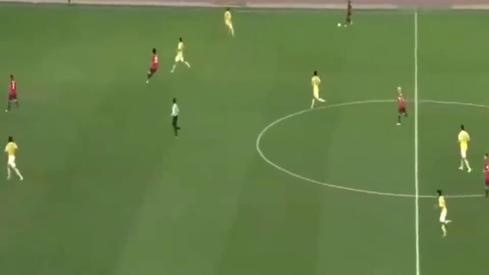 巅峰郜林亚冠赛场一上场就进球,打懵日本队,这家伙是外援吧!