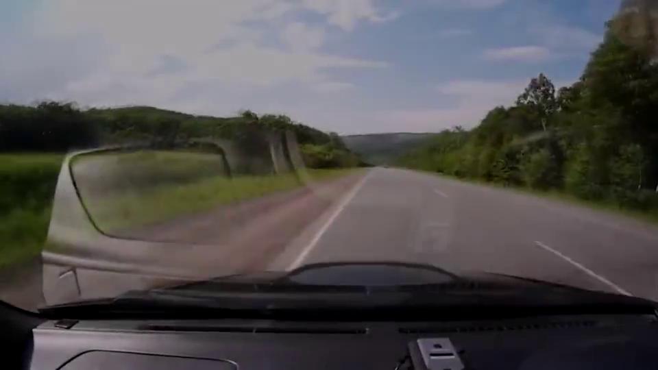 视频:一汽内部的对决红旗H7撞上解放大货车