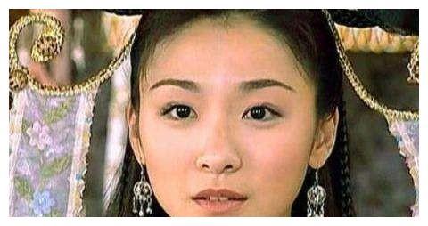 她曾是古装女神,被男演员一巴掌打出脑震荡,40岁至今未婚