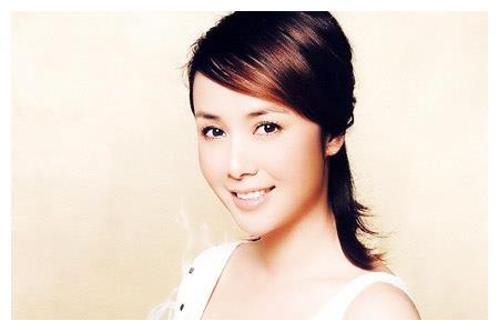 初恋是王全安,嫁大12岁导演聚少离多传绯闻,今48岁面容憔悴似路人