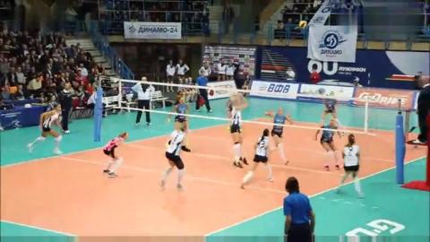 俄罗斯女排超级联赛第4轮 莫斯科迪纳摩vs喀山迪纳摩