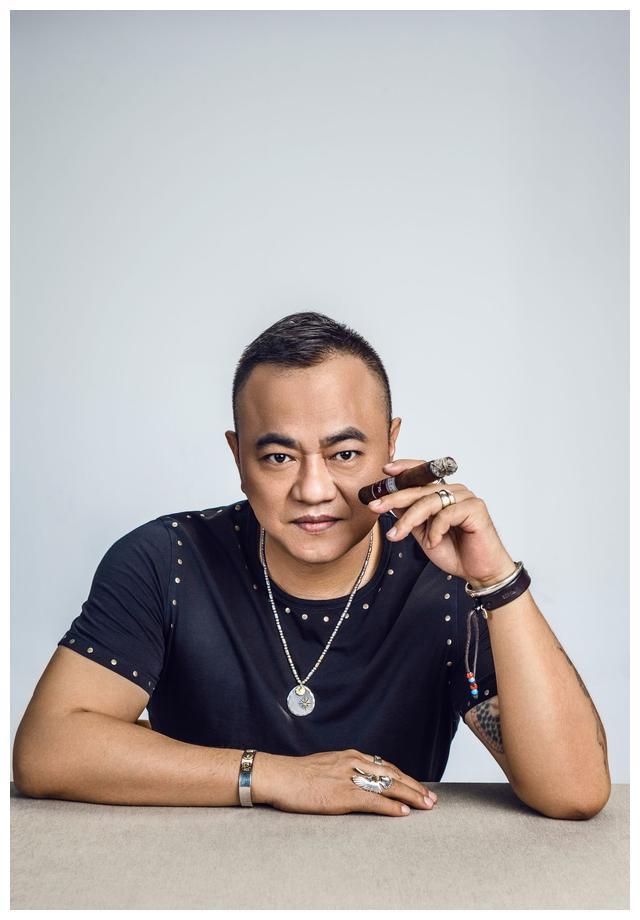 本山传媒的大管家、幕后的高人,赵本山必须靠着他,没他不行