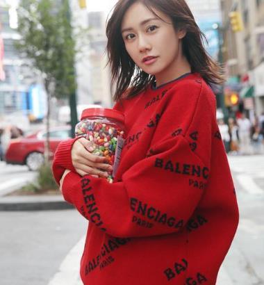 刘芸嘟嘴乳少女,纽约街拍,甜美可人