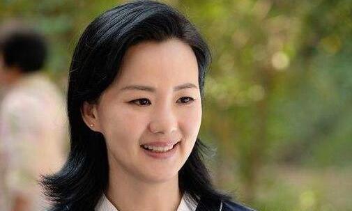 《小欢喜》里的开明妈妈,现实中影后加身,嫁给了王菲的前男友