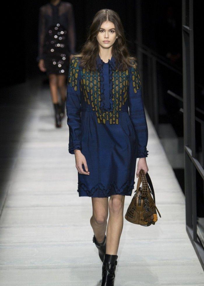 时装周:模特展现对美的追求,潮流品味值得学习,穿出迷人风韵