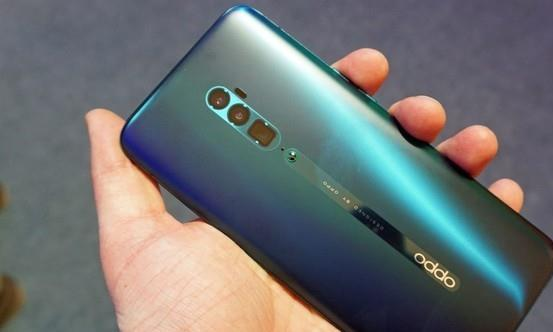 "OPPOReno2获最佳智能手机品类""人民选择奖"""