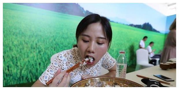 大胃王水子君一次能吃八斤大米,是天才还是催吐剂?