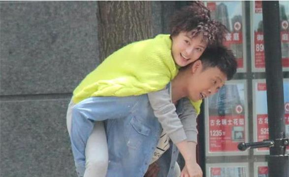 """张译调侃邓超,只要和孙俪演夫妻的戏,就抱着孩子来""""探班""""!"""