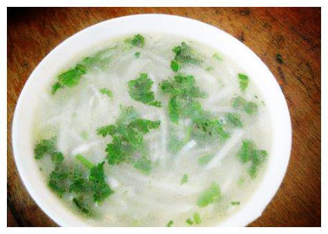 萝卜这样做成汤简单快手,营养又美味个,还能减肥瘦身,治便秘!