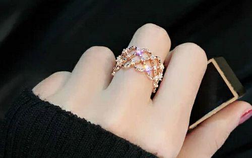 心理测试:四款戒指,你最喜欢哪款?测试谁一直在等着你!