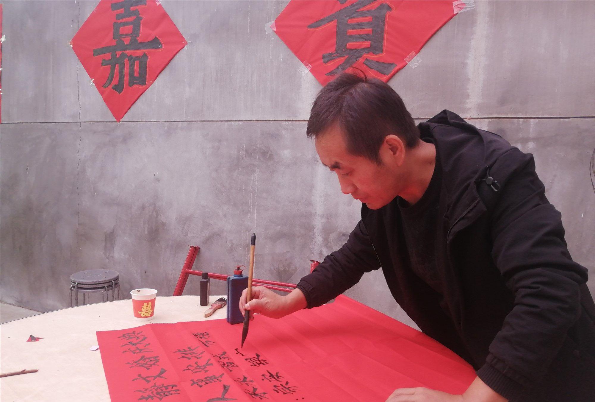 陕西扶风乡村婚礼,写毛笔字吃流水席,这是最庄重的生命仪式!