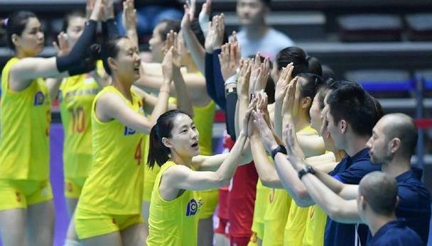亚锦赛中国女排3比0胜哈萨克斯坦,一只脚已踏进四强