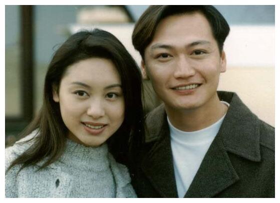 47岁郭可盈和50岁林文龙近照,相爱坚守25年,女儿像爹低调幸福