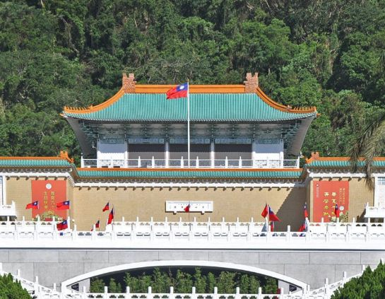 中正纪念堂位于台北市中心,来台北必游之地之一,很是壮观