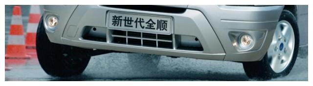 福特新世代全顺高安全性,多功能轻客,一路为你护航