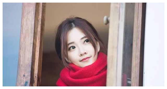 中国最红女主播冯提莫新歌爆火,主播变歌手实力才是硬道理