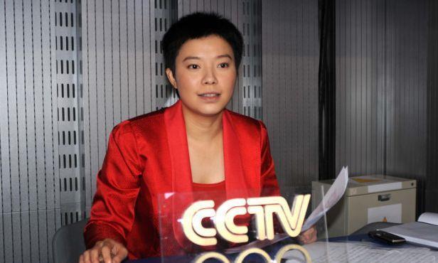 前国乒冠军杨影,认恩师为干爸,世乒赛解说惹来不少争议