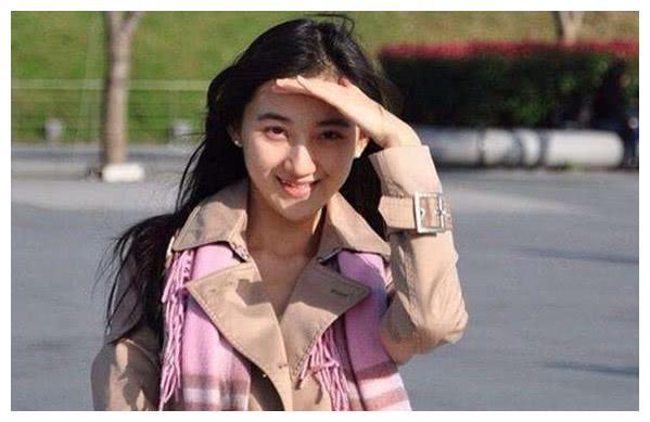 """她是首富王健林的侄女,王思聪的""""挚爱"""",高考630分称学霸!"""