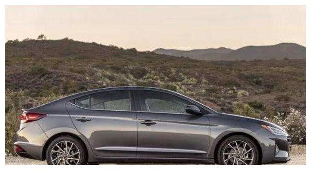 现代力挽狂澜,全新伊兰特颜值颠覆升华,或9万起,没买车的福音