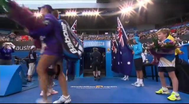 澳网女单决赛:李娜首盘的精彩集锦,各种反杀,激情四射!