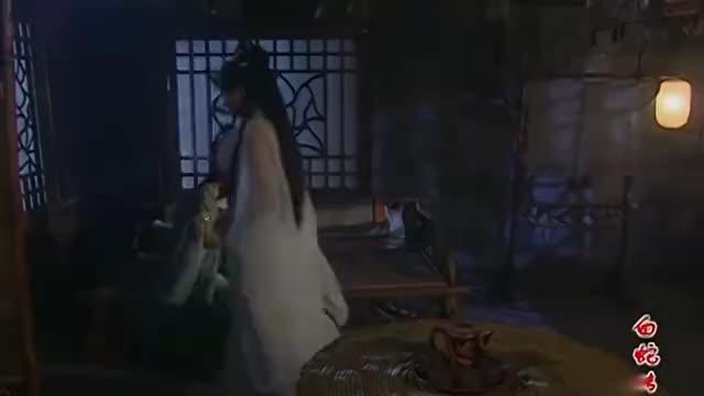 白蛇传:听到许仙走了,白素贞要追过去,想要和他道别!
