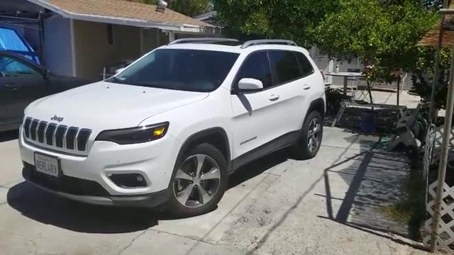 视频:新提的2019款吉普自由光,打开车门坐进车内那刻,才知道啥叫改变