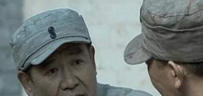 李云龙讨要50箱手榴弹,张部长为什么只给20箱?答案有门道