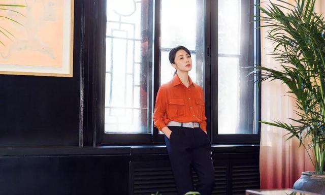章子怡曾给她当伴舞,被誉为身材最好的明星,爱练瑜伽超级励志