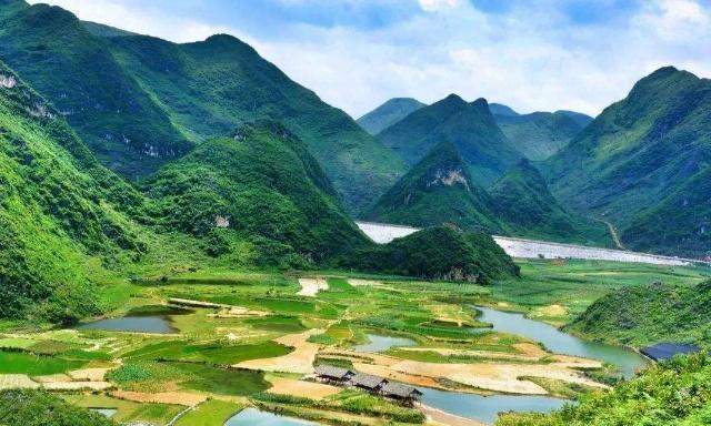 到了云南不可错过的景点,抚仙湖上榜,你去过几个呢?