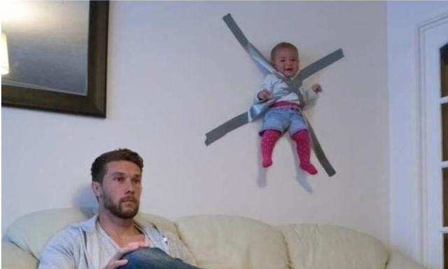 """宝妈出门后,爸爸在家如何带娃?这4张图片让你笑出""""腹肌"""""""