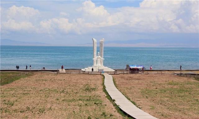 青海湖二郎剑景区