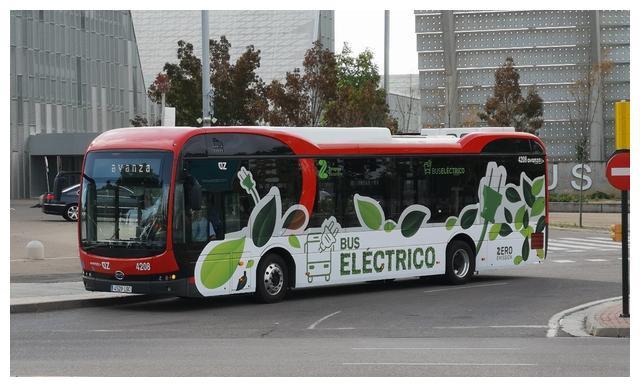 西班牙又采购了一批比亚迪电动公交,这车怎么样?实地乘坐告诉您