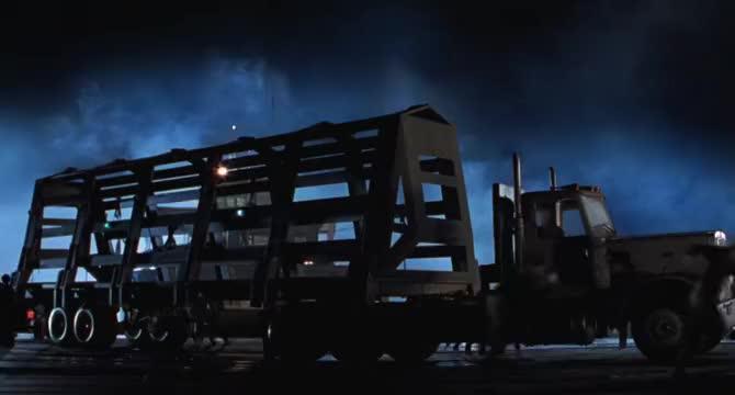 斯皮尔伯格拍的科幻片,就是十足耐看,这部电影仅次于阿凡达