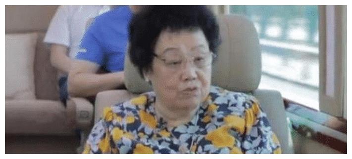 为感谢唐僧30年陪伴,第一女首富宣布遗嘱:600亿全给小丈夫