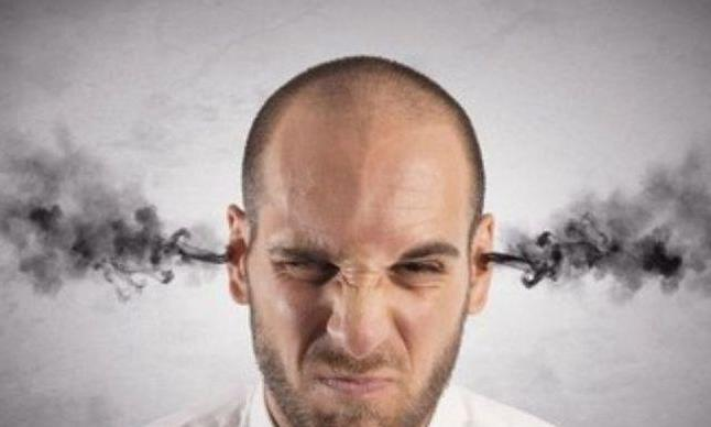 """耳朵里发痒,很可能是4种病出现的""""前兆""""!"""