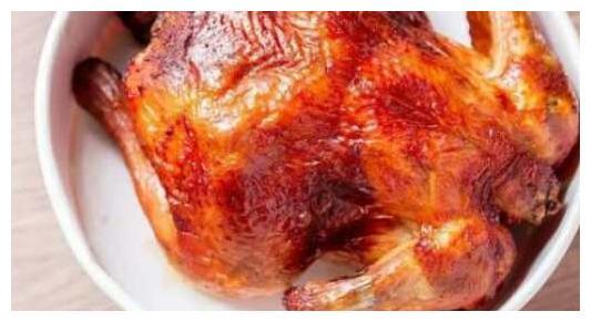 """肯德基推出""""整只炸鸡""""被网友称为""""搞飞机"""",吃货流着口水走人"""
